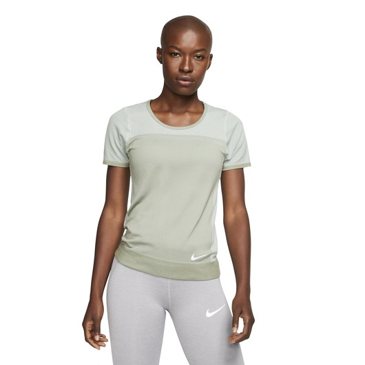 Nike Infinite Short-Sleeve Running Top Kadın Tişört
