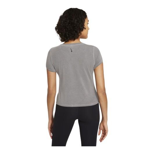 Nike Yoga Dri-Fit Short-Sleeve Top Kadın Tişört