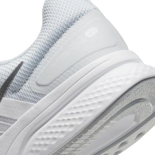 Nike Run Swift 2 Kadın Spor Ayakkabı