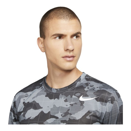 Nike Dri-Fit Camouflage Training Short-Sleeve Erkek Tişört